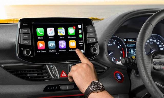 Αυτοκίνητο: Μήπως τα προηγμένα συστήματα ψυχαγωγίας οδηγούν σε αύξηση των αποζημιώσεων;