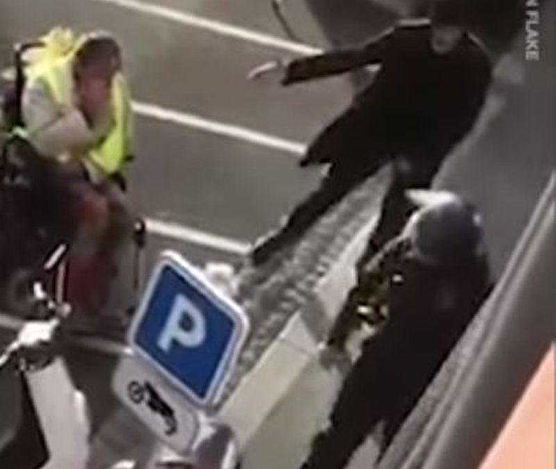 Γαλλία: Άνδρας των ΜΑΤ ψεκάζει ΑΜΕΑ