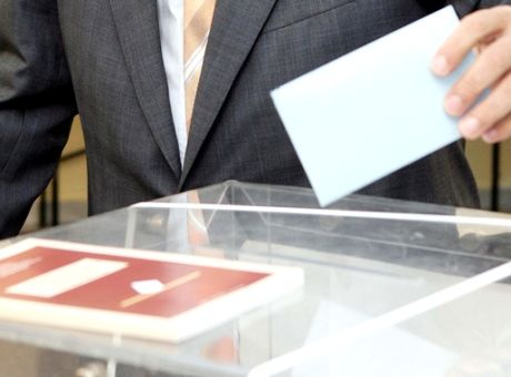 Σαρωτικές νίκες και ανατροπές σε Περιφέρεια και Δήμους της Αττικής