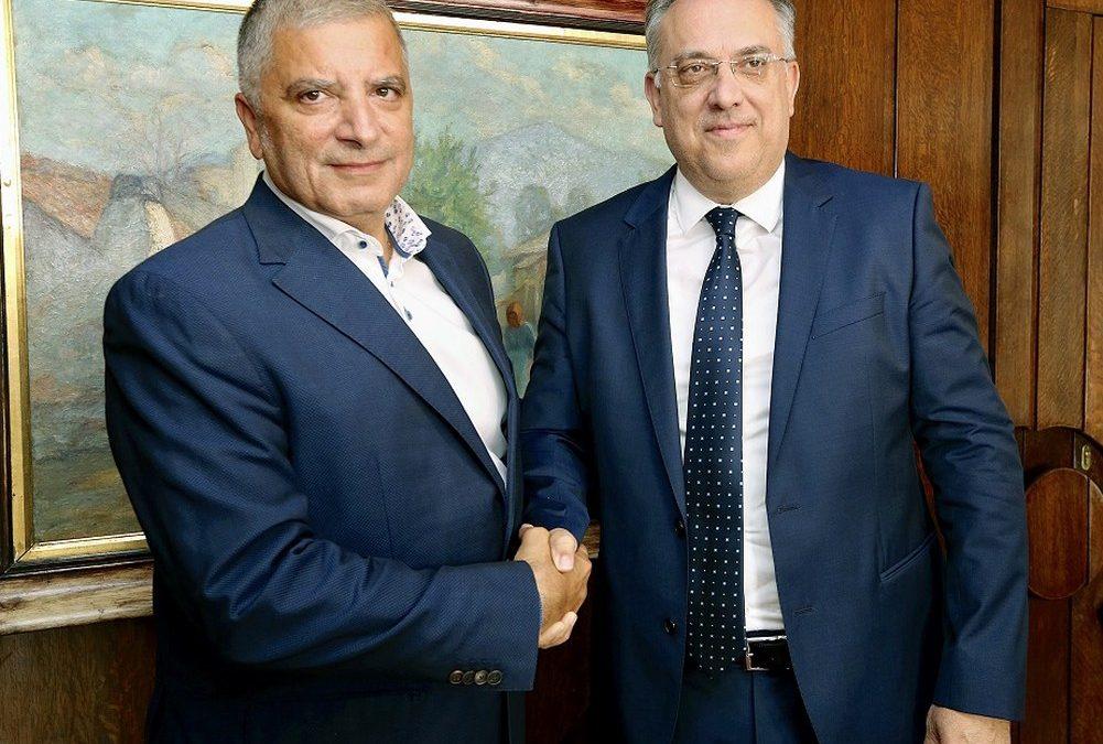 Συνάντηση του νέου Περιφερειάρχη Αττικής και Προέδρου της ΚΕΔΕ Γ. Πατούλη με τον υπ. Εσωτερικών Τ. Θεοδωρικάκο