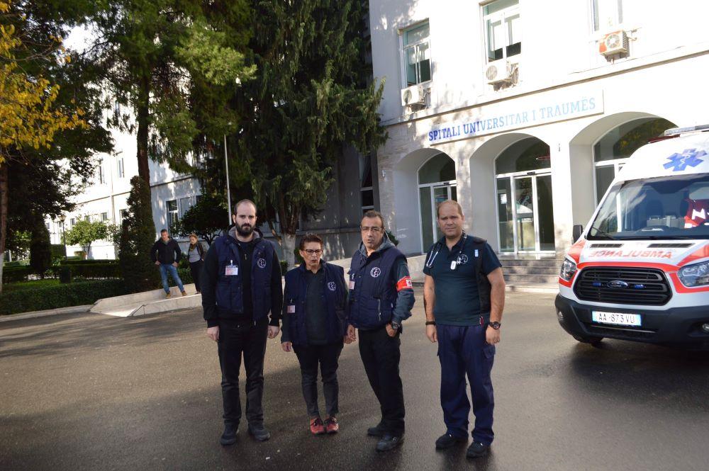 Η Ομάδα Άμεσης Δράσης του Ι.Σ.Α. στο ΠανεπιστημιακόΝοσοκομείο Τιράνων