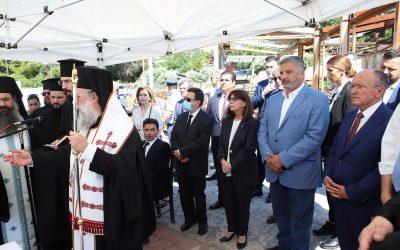 Επιμνημόσυνη δέηση τελέστηκε στο Μάτι, παρουσία της Προέδρου της Δημοκρατίας